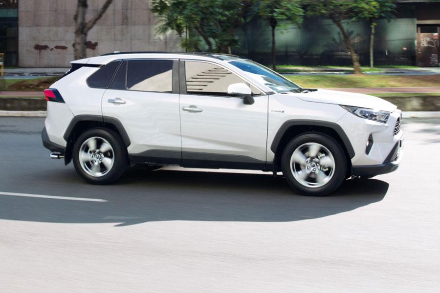 Toyota RAV 4 y Prius son éxito de ventas en Chile